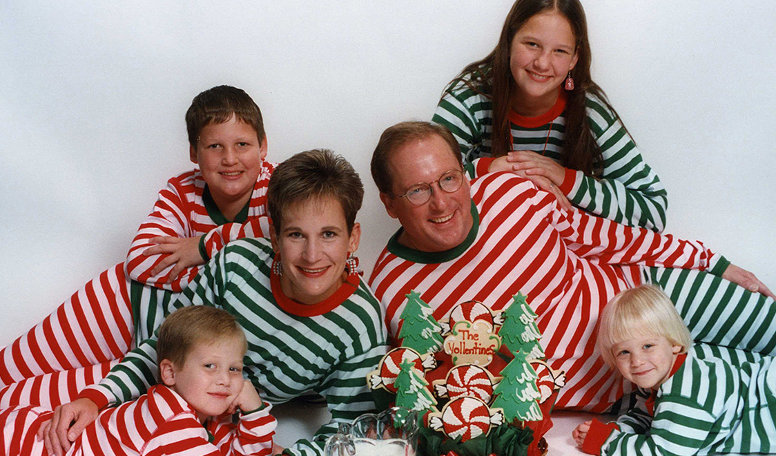 awkward-family-photos-2012-christmas-cover