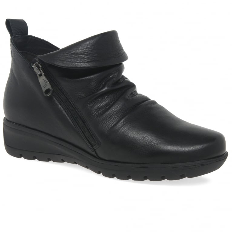 Vanquish Womens Ankle Boots